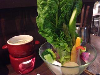 旬の朝採れ有機野菜のバーニャカウダ