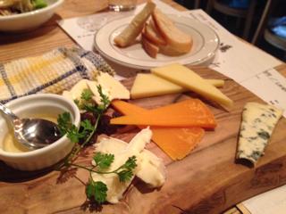 チーズ盛り合わせ(ハーフ)