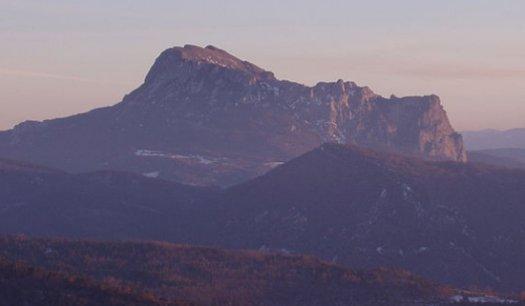 ビュガラッシュ山