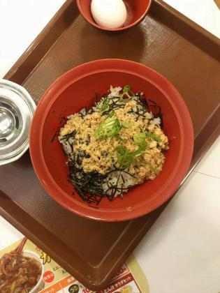 すき家、鶏そぼろ丼(並)1