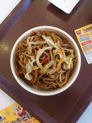 すき家、期間限定発売やきそば牛丼(ミニ)3