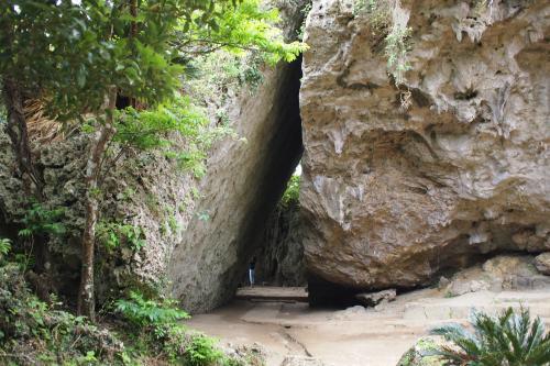 三庫理(サングーイ)三角岩