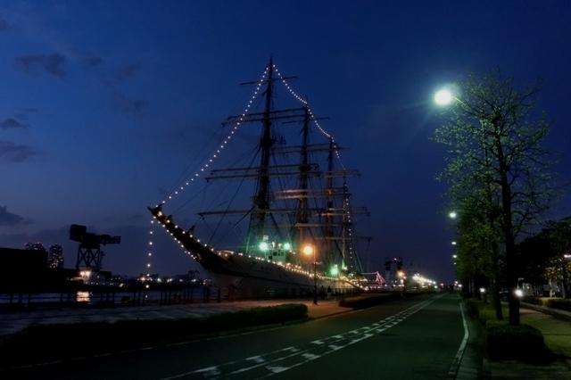 海王丸(横浜港新港埠頭5号岸壁)夜景