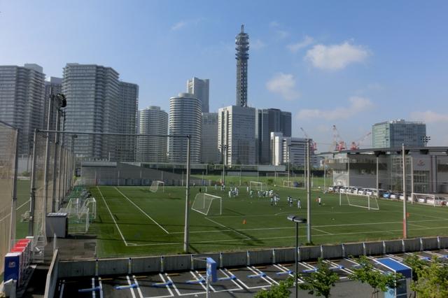 朝の練習風景(横浜マリノスタウン)