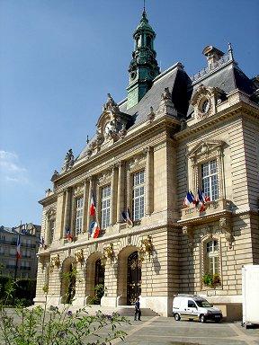 小ぶりでかわいいルヴァロワ(Levallois)Hotel de Ville downsize