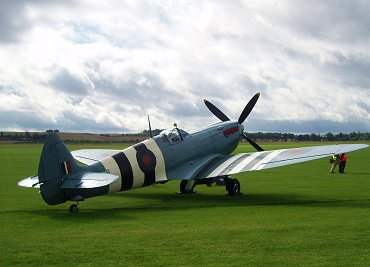 この角度のシルエットがステキ写真偵察型Spitfire XI REVdownsize