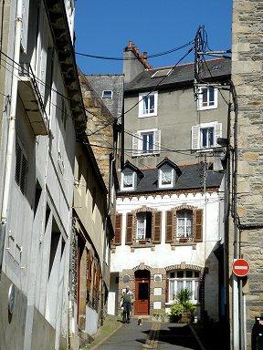 旧市街の狭い路地は静かdownsize