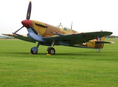 アズールブルーが鮮やか249中隊Spitfire Vc Trop JG891 REVdownsize