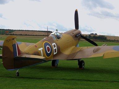 熱帯塗装の後ろ姿が好きマルタ島249中隊Spitfire Vc Trop JG891 downsize