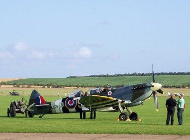 もう1機の改造複座型Spitfire IX MJ627 REVdownsize