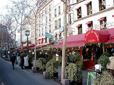 Les Halles(レザール)公園の店並みを振返ってdownsize