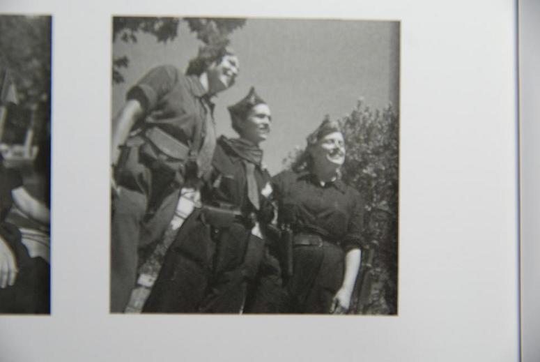 3人の女性兵士②