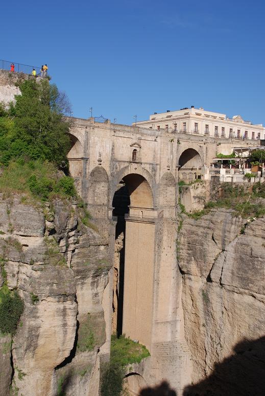 DSC_7280ヌエボ橋を見上げる