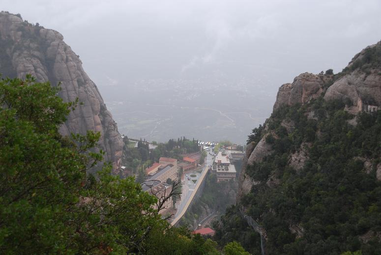 DSC_7768頂上より修道院を見る①