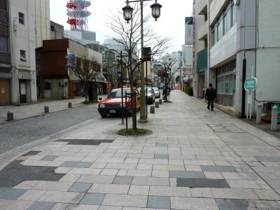 02_駅前の通り.jpg