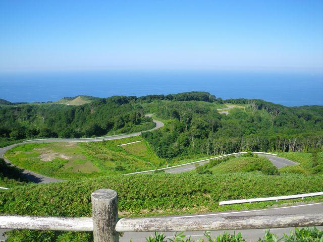 竜飛岬への道