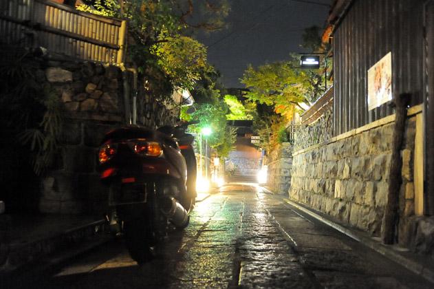 石塀小路/夜