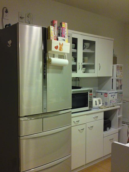 食器棚を置いたキッチン
