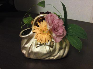 テレビボードに飾った花瓶