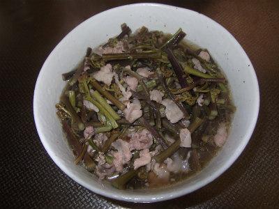 蕨と豚肉の煮浸し