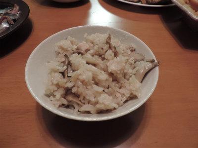 鶏・牛蒡・舞茸の炊込み御飯