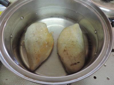 鶏ハム熱湯投入