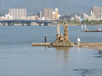 宍道湖の仏像