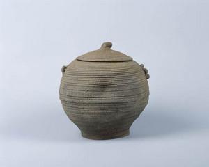 松井家の銘器「南蛮締切耳付水指」