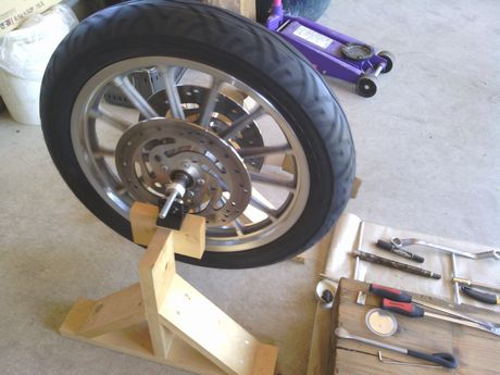 スポ タイヤ交換前輪3