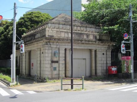 旧京成博物館動物園駅①