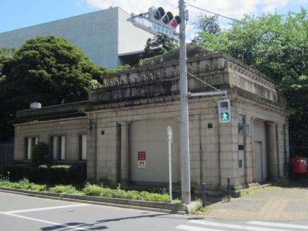 旧京成博物館動物園駅②