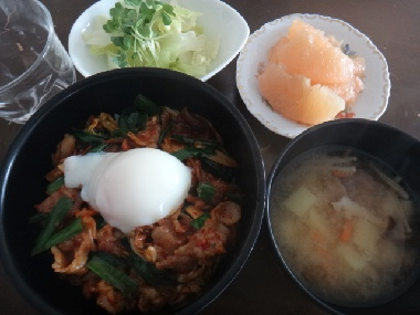 豚キムチ丼0603