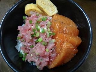 ネギトロサーモン丼0808