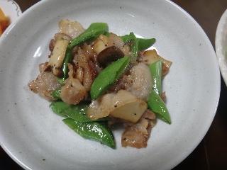 豚バラとスナップエンドウの炒め物