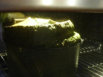 抹茶のシフォンケーキ 焼成中