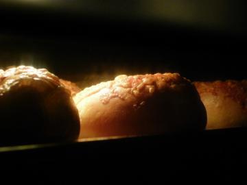 チーズベーグル 焼成中