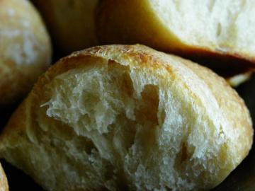 スモモ酵母のパン 断面
