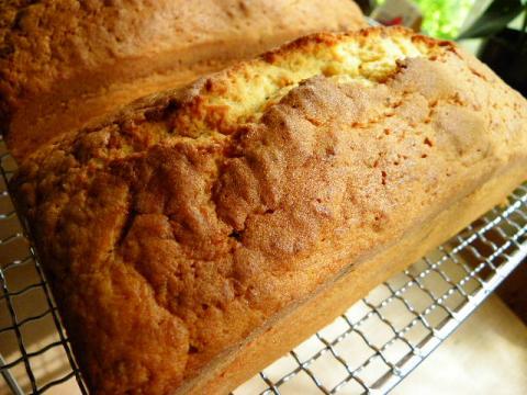 梅のパウンドケーキ 焼きあがり