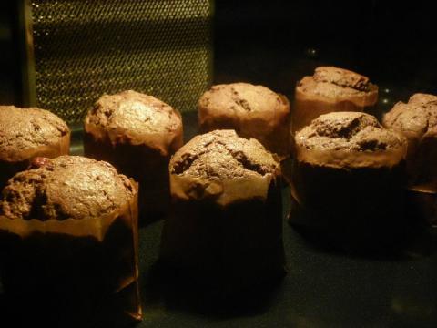 チョコレートマフィン 焼成中