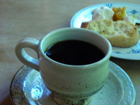 スコーン コーヒーと共に