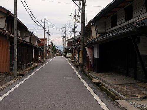 寂しい街道