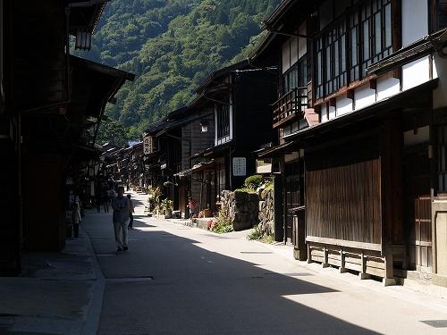 山背景の街道1