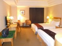 台中兆品酒店の4人部屋入口から130829