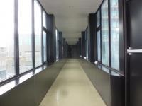 台中兆品酒店の渡り廊下130829