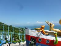 花蓮海洋公園アトラクションから海が見える130919