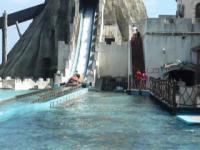 花蓮海洋公園一番のアトラクション海賊船130919