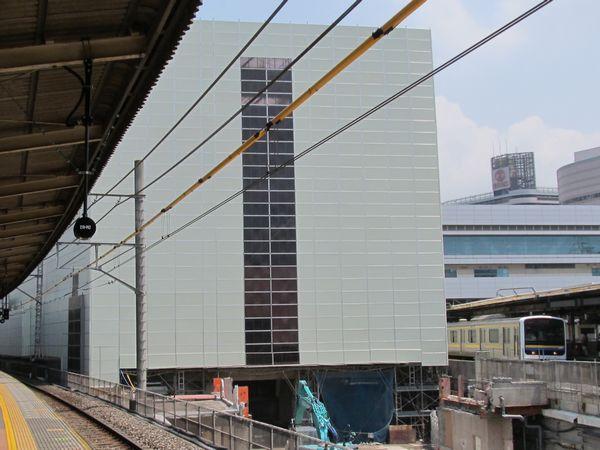 解体工事が本格化した千葉駅ビル「ペリエ1」