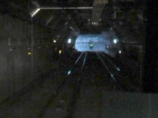 HEP&JES工法で建設した上下線が一体の円形トンネル。ここから大崎支線の下に入る。