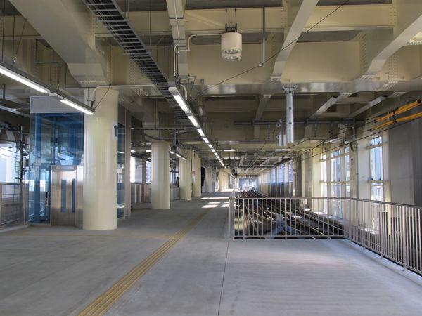 完成した京急蒲田駅上り線ホームの切り欠きホーム。