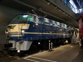 直流電気機関車EF61形EF65-11